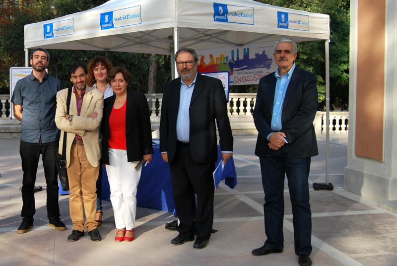El delegado de Salud, Javier Barbero, y el gerente de Madrid Salud, Antonio Prieto, con participantes en las jornadas