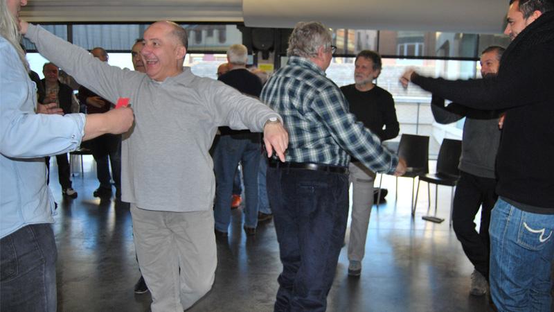 Grupo bailando